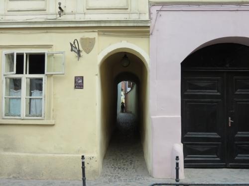 g_narrowstreet